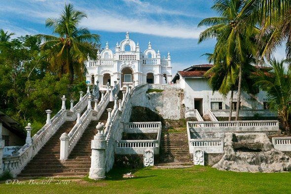 photos of sri lanka   dodanduwa temple