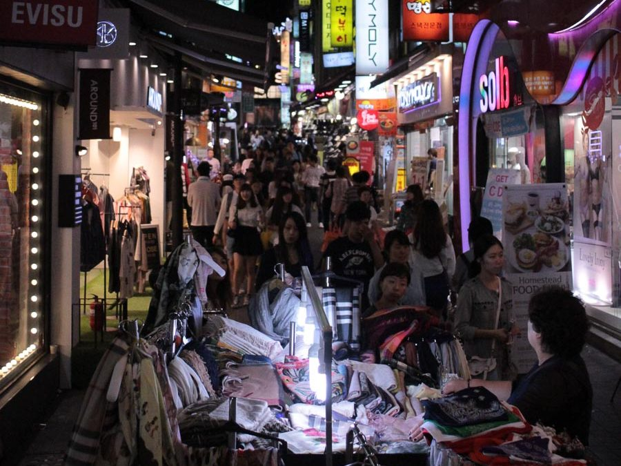 what to do in seoul at night markets