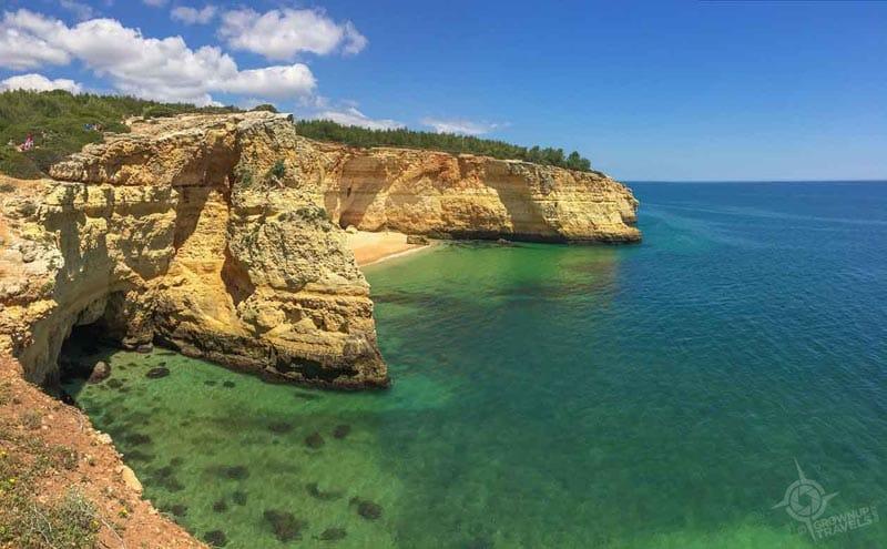 what to do in the Algarve sea cliffs near Lagoa