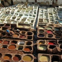 800px-Leather_tanning,_Fes
