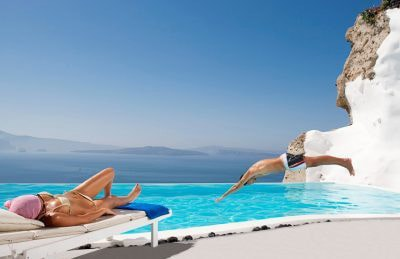 where to stay in Santorini Andronis Oia