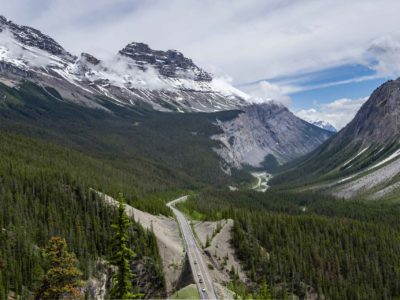 Driving the Icefields Parkway from Banff to Jasper Alberta
