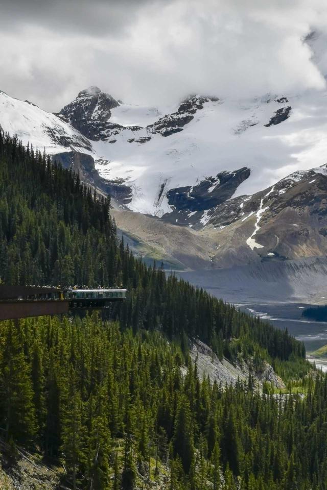 glacier skywalk alberta banff to jasper