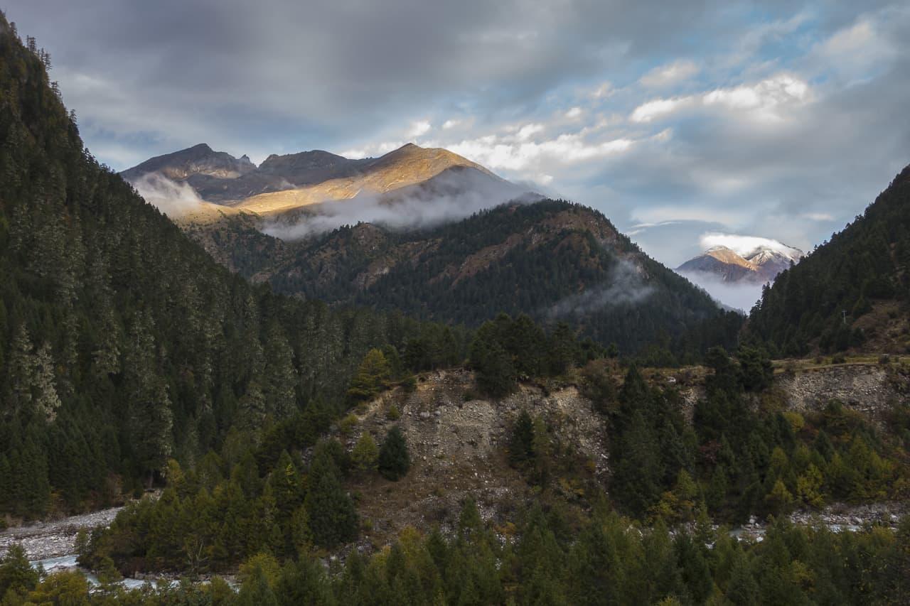 bhutan trek mountains