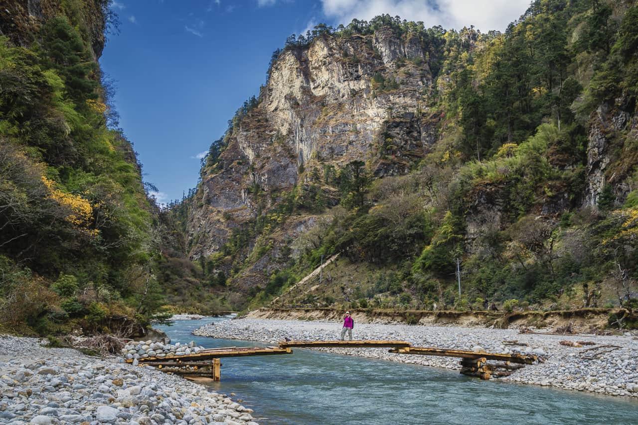bhutan trek river crossing