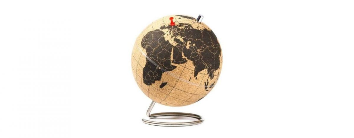 Travel cork globe with pegs