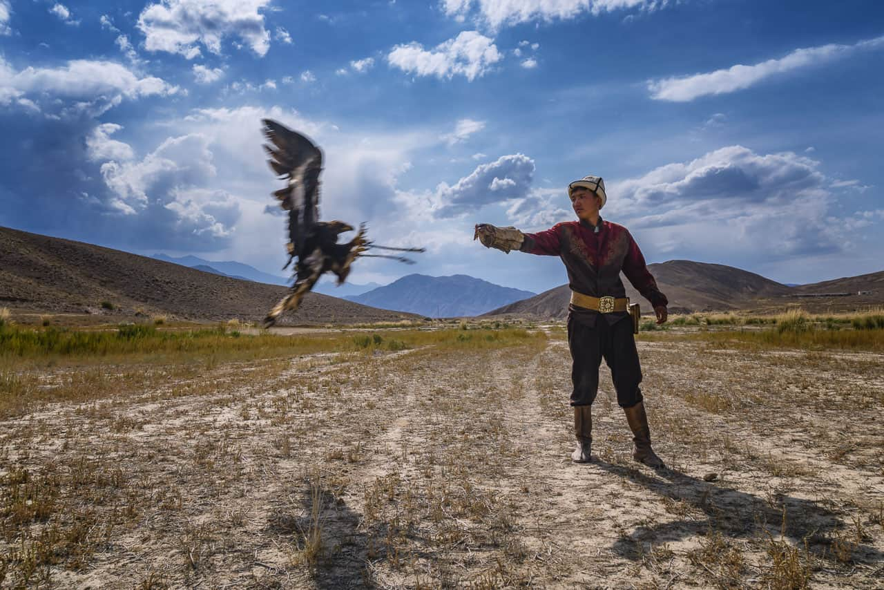 Eagle-Hunters-Kyrgyzstan-flight