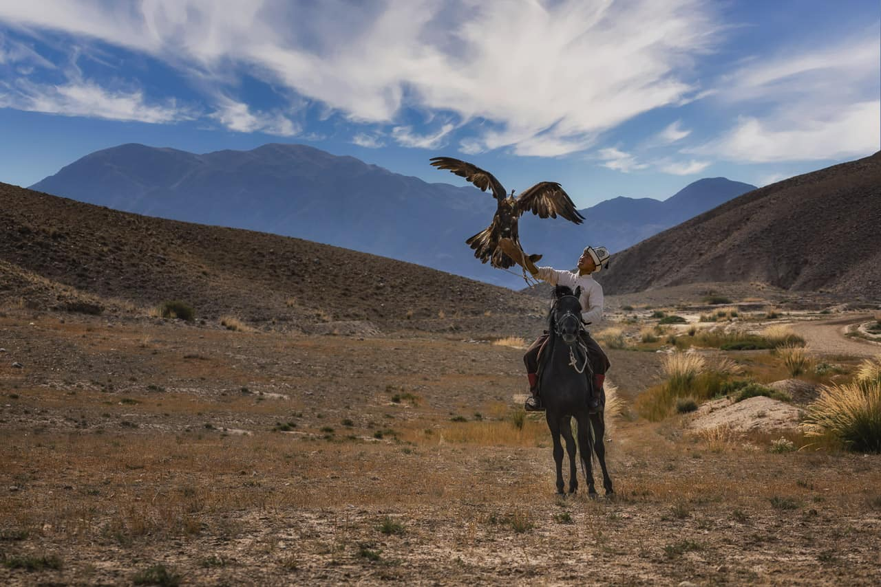 Eagle-Hunters-Kyrgyzstan-hunting