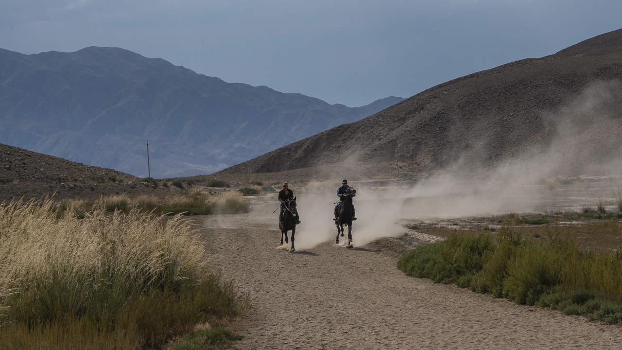 Eagle-Hunters-Kyrgyzstan-training