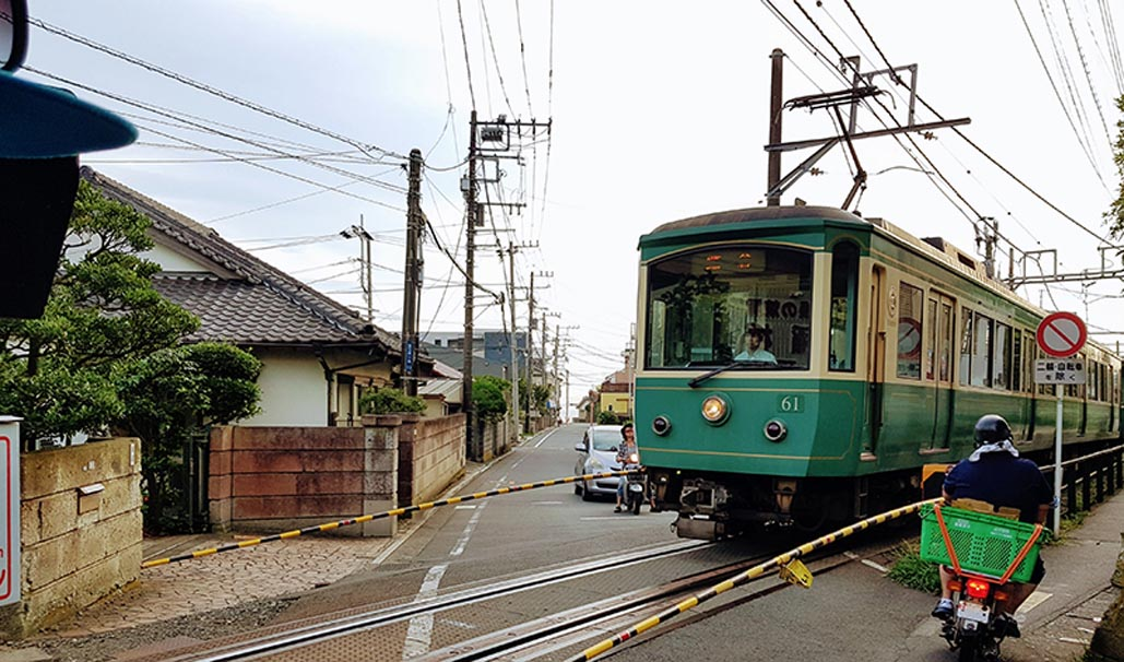 visit kamakura Enoshima Densetsu Electric Railway