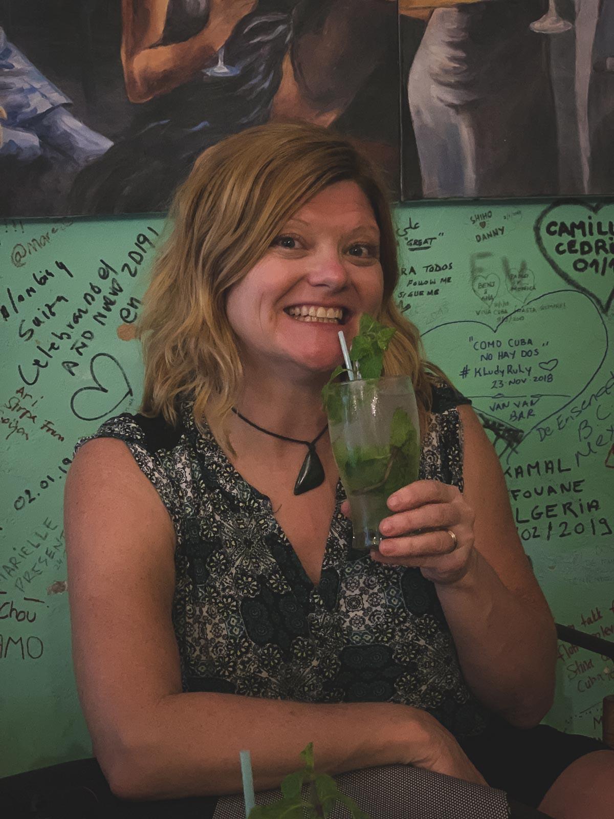 cuban facts - mojito cocktail