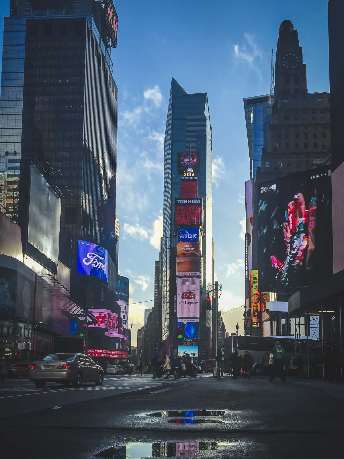 what to see in times square billboards
