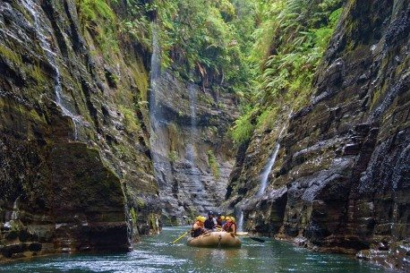 navua-river-gorges