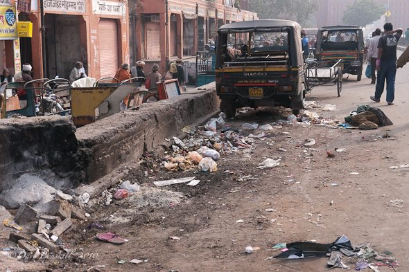 Filthy_street_India