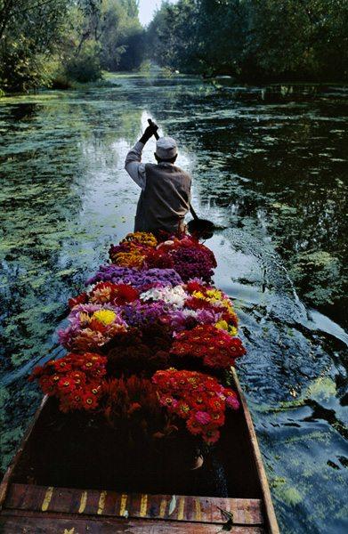 Flower-seller-India