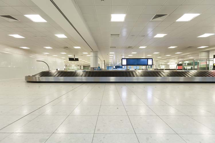 gatwick london airport | luggage carousel