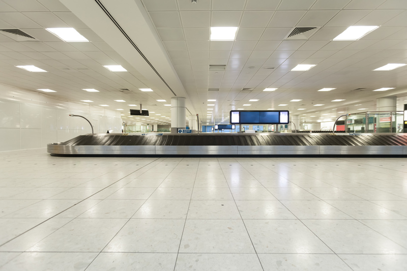 gatwick london airport | luggage carousel