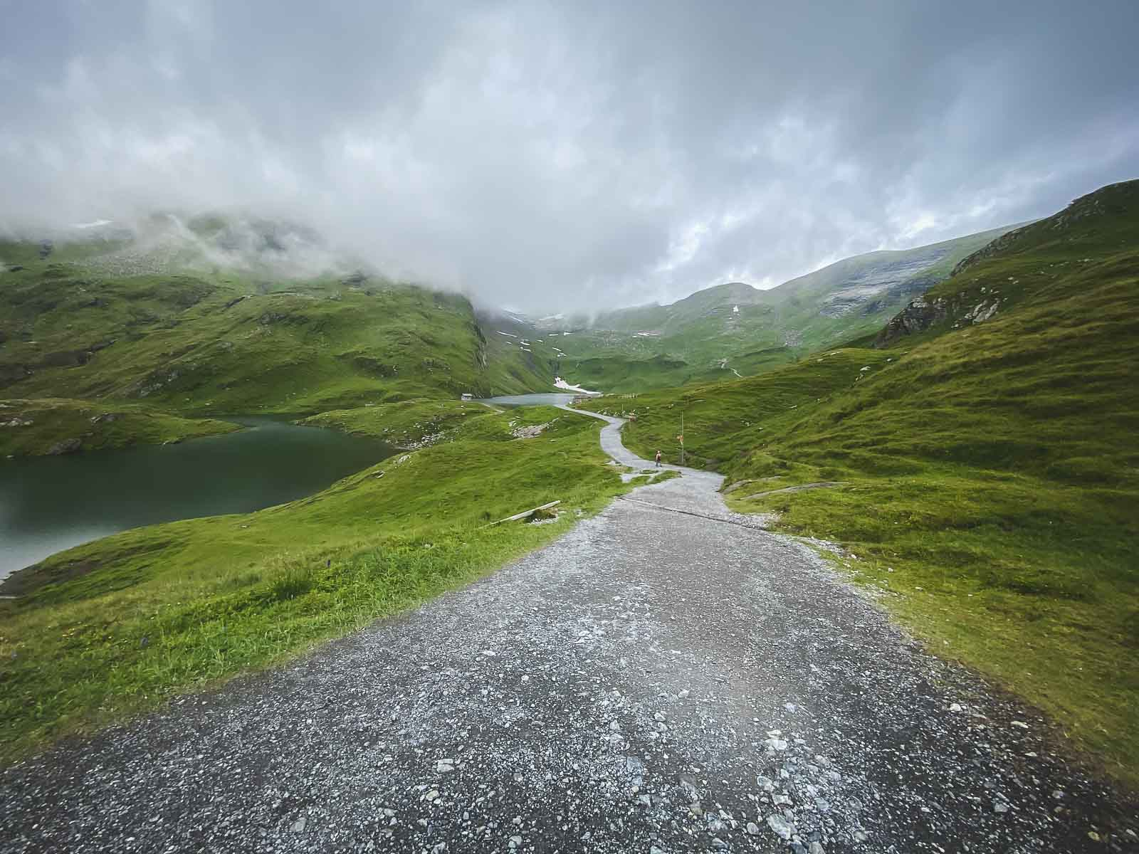 Hiking to Bachalpsee