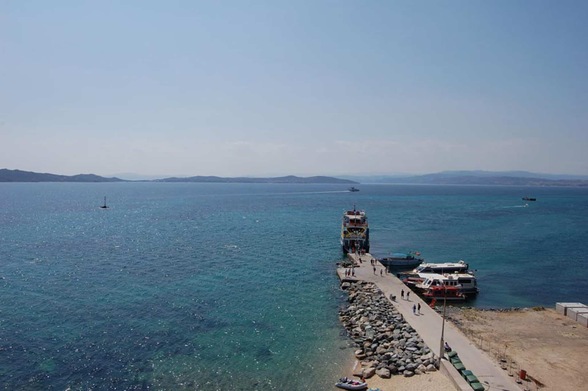 what to do in halkidiki port towns
