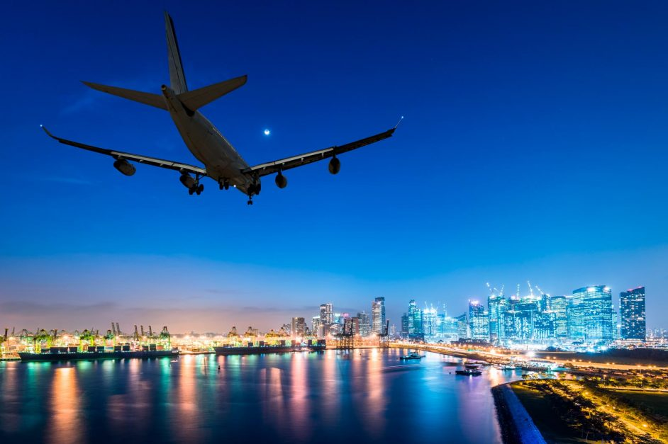 Londons Airports How to get from them to the city
