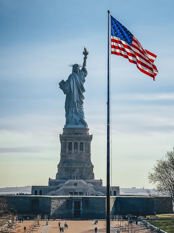 Советы о том, как посетить Статую Свободы и остров Эллис Советы по посещению Статуи Свободы и острова Эллис Советы по посещению Статуи Свободы и острова Эллис How to visit Statue of Liberty New York City
