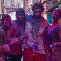 India-Holi-tourists-festival