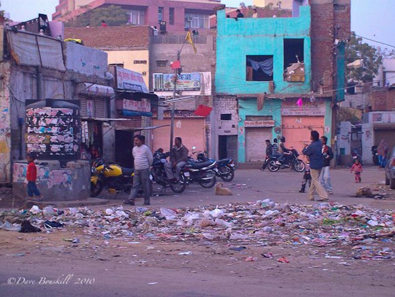 india is filthy garbage in street