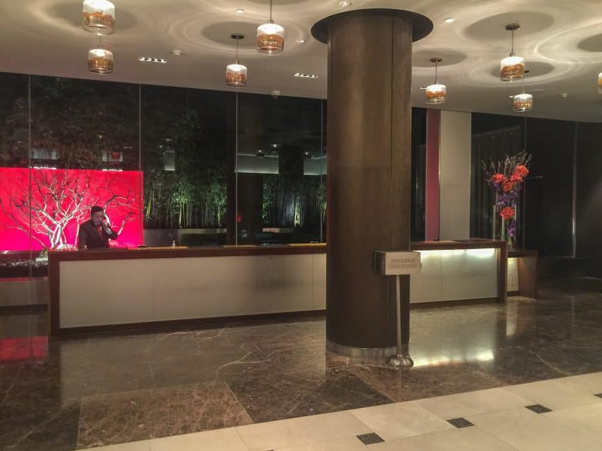 Intercontinental-Hotel-Times-Square-lobby-1