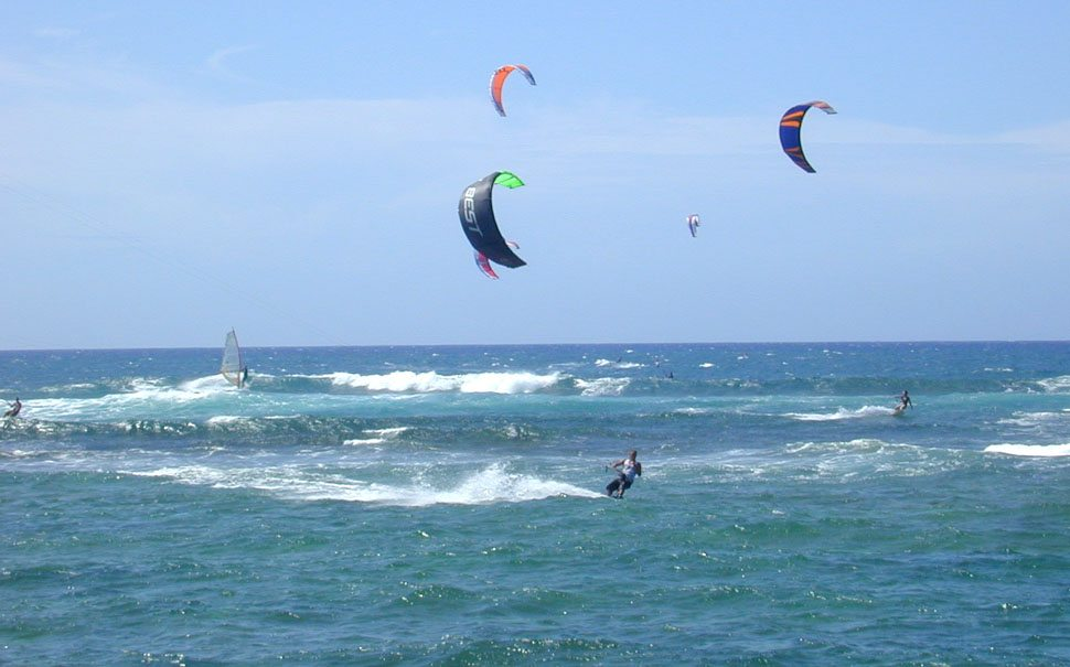 Kite_surfing_Oahu