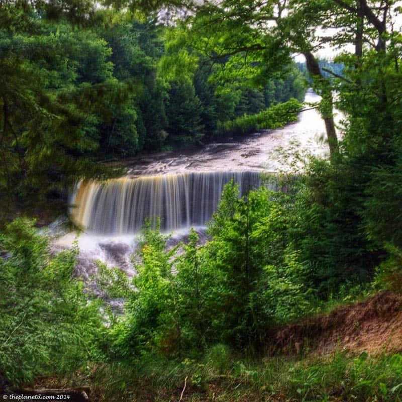 Lake-Superior-Circle-tour-Tahquamenon-Falls