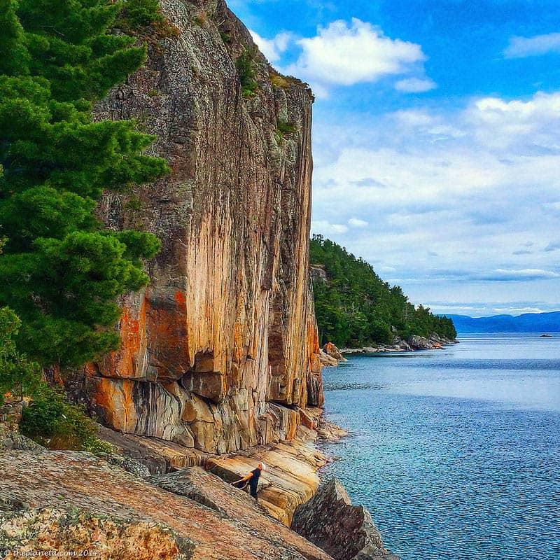 Lake-superior-circle-tour-painted-rocks