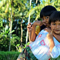 Little-Girls-in-Indonesia