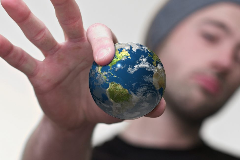 travel video tips   Globe in hand