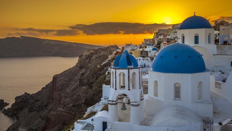 best skylines in the world | santorini
