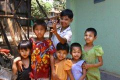 Myanmar-Golden-Rock-Children-Students