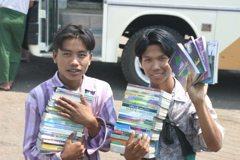 Myanmar-Golden-Rock-Treasure-Book-Vendors