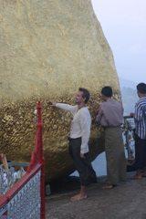 Myanmar-Golden-Rock-Treasure-Dave