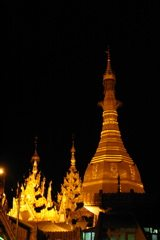 Myanmar-Golden-Rock-Treasure-Sule-Pagoda