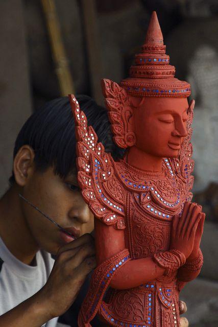 Myanmar-Mandalay-Artist
