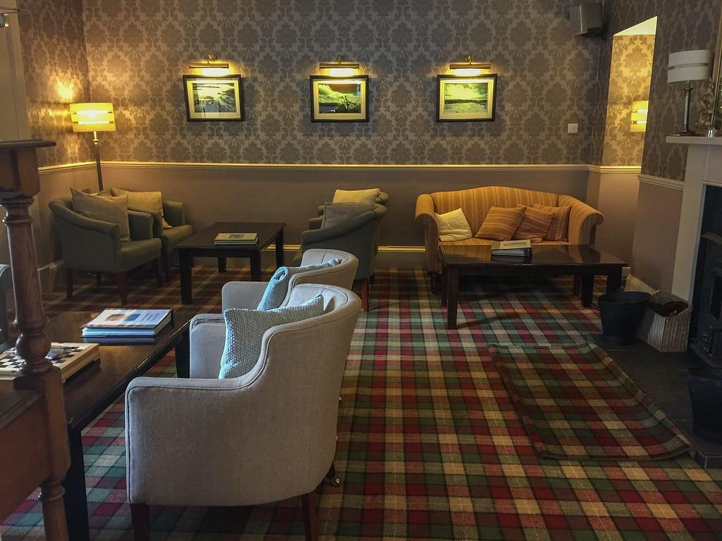 tongue hotel scotland sitting room