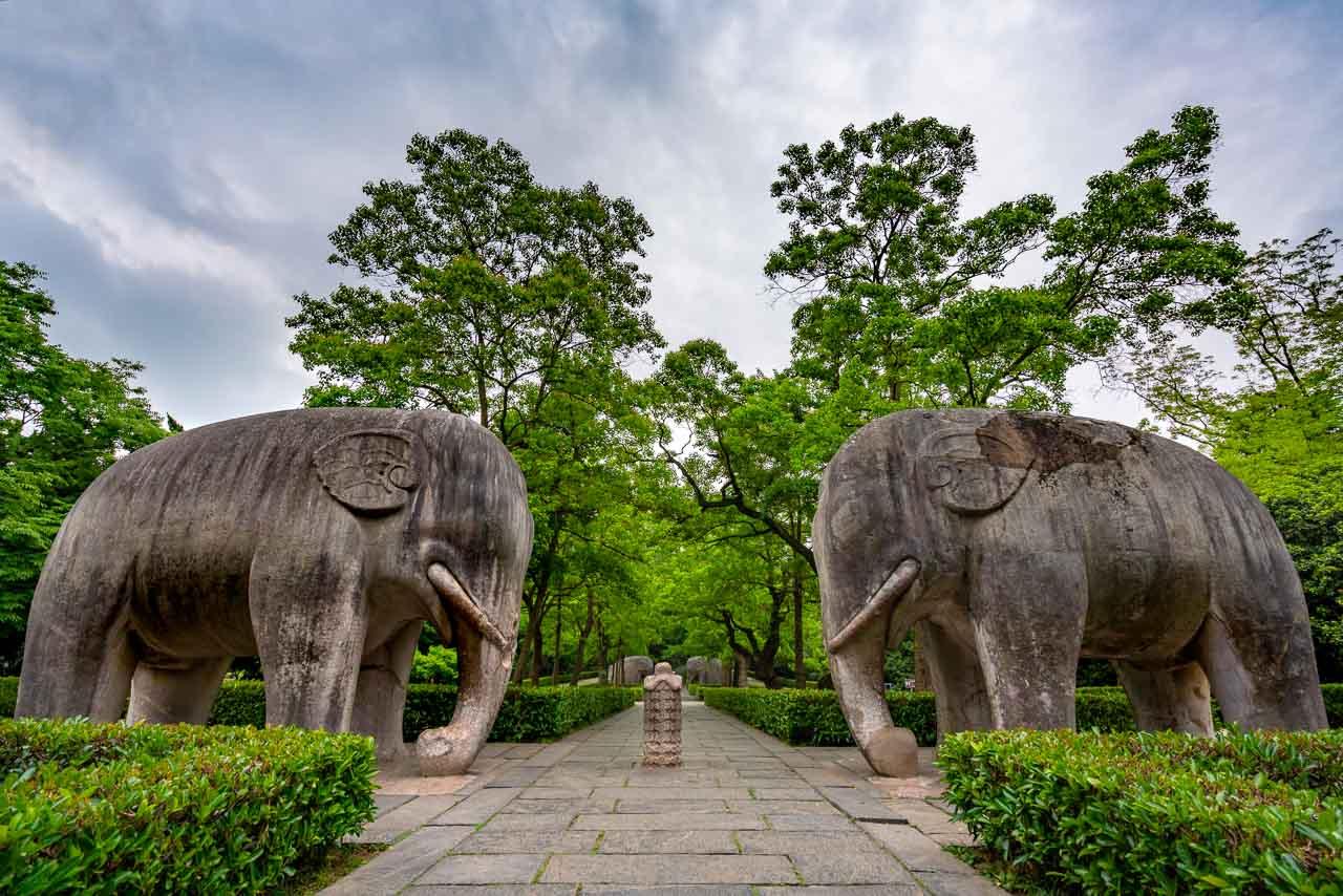 Statues at Purple Mountain Nanjing