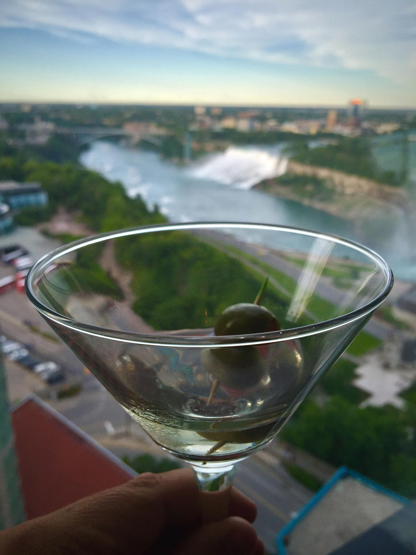 where to stay in niagara falls with dining options