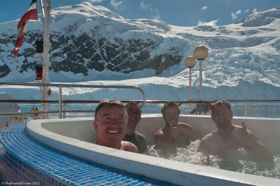 Polar-plunge-hot-tub-antarctica