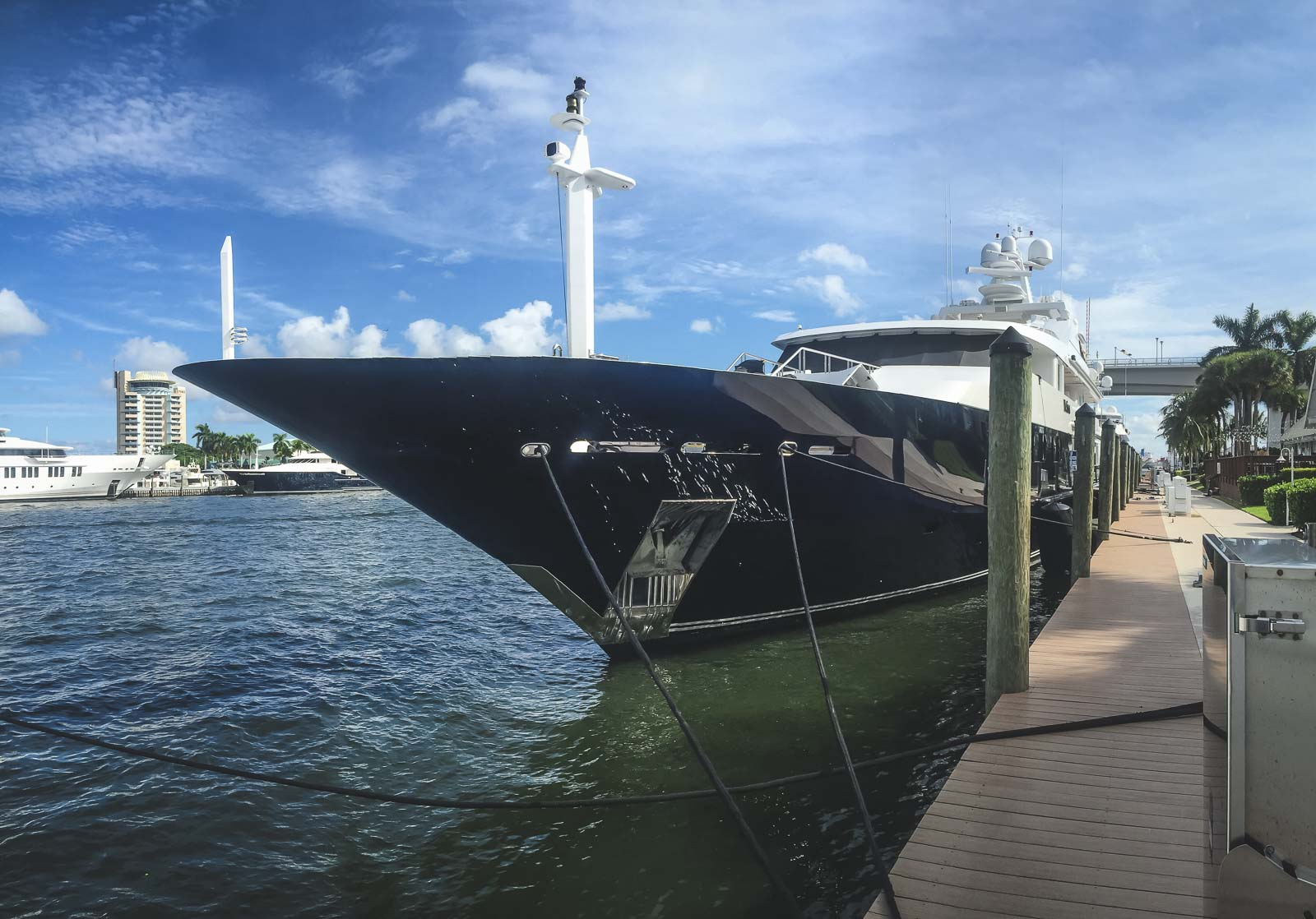 fort lauderdale yacht in marina