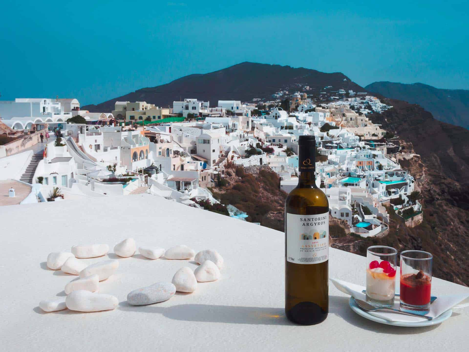 places in santorini wineries
