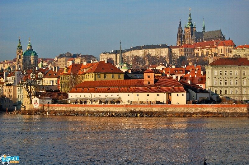 Prague tourist traps - Prague Castle