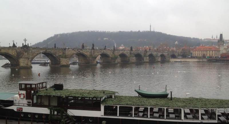 Prague tourist traps Charles Bridge