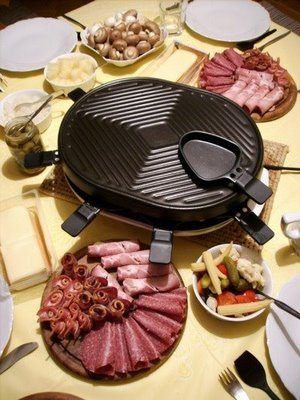 Raclette_with_all_the_trimmings