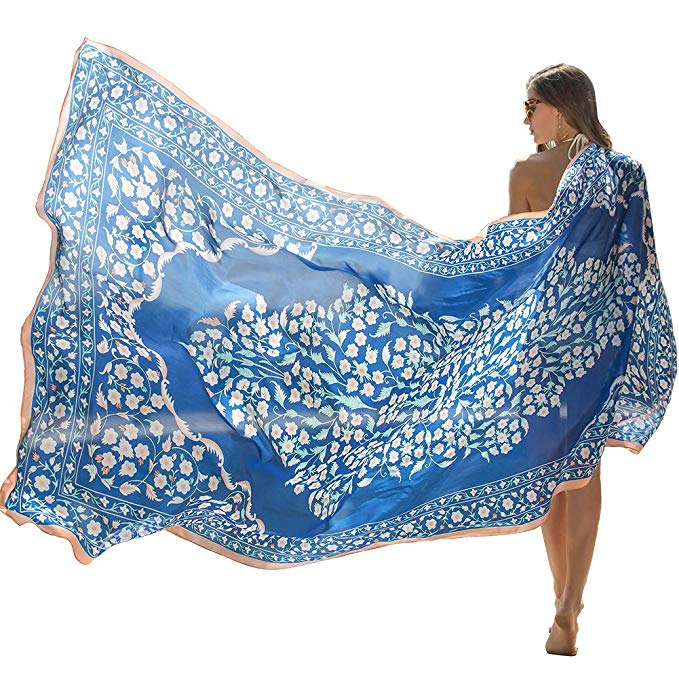 gifts ideas for travelers | silk scarf
