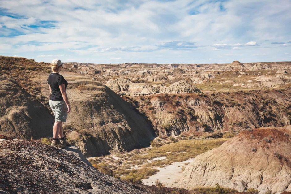 quarry hike dinosaur provincial park